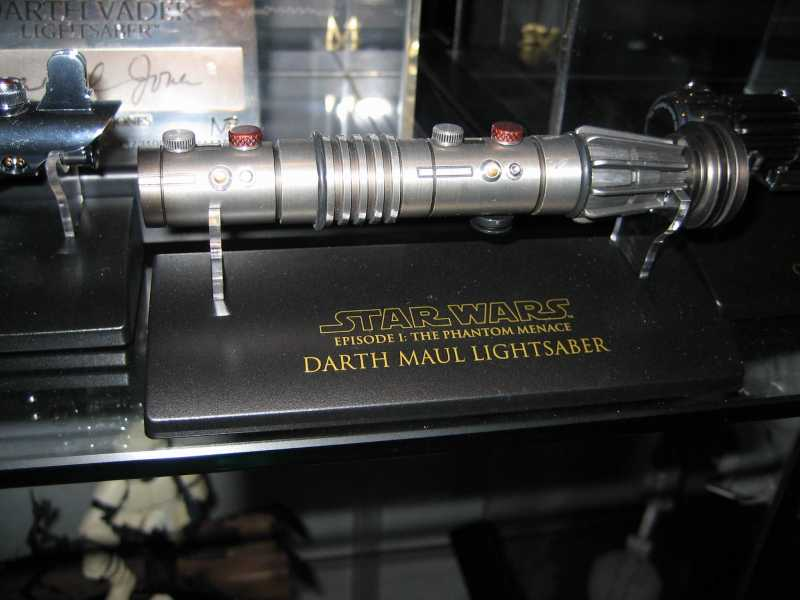 Darth Maul: Battle Damaged - The Phantom Menace - Scaled Replica