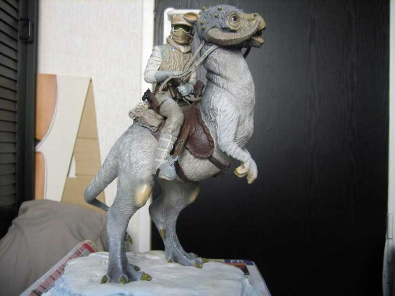 Luke Skywalker and Tauntaun - The Empire Strikes Back - Limited Edition